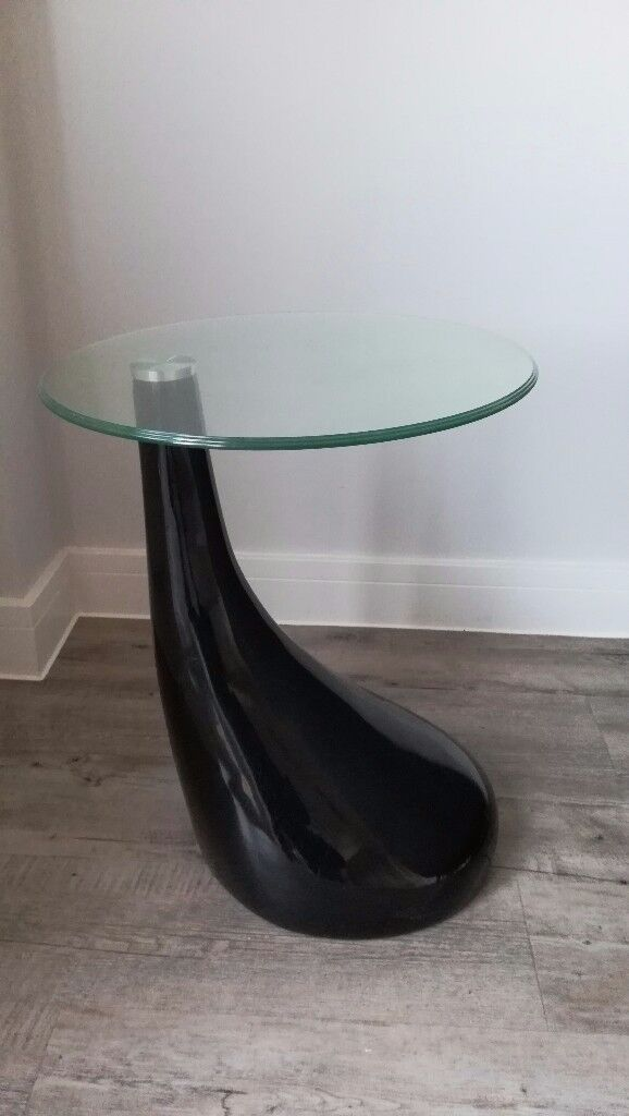 A pair of elegant side tables