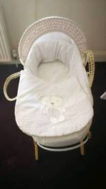 Teddy bear kinder Valley moses basket with stand