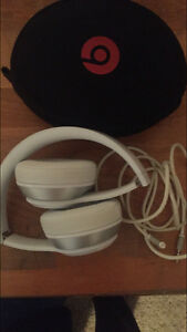 White beats solo headphones