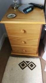 2x wooden Bedside drawers