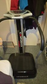 Confidence Pro Fitness Vibration Plate Trainer, in excellent condition.