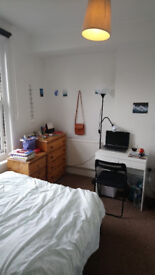 Great warm houseshare close to the tube