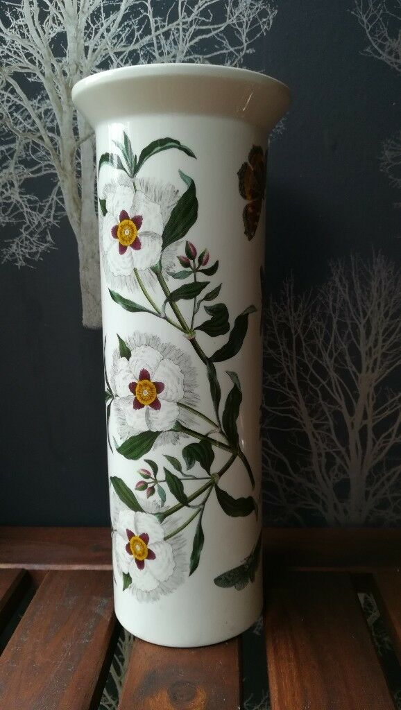 Portmeirion Botanic Garden Bud Vase Spanish Gum Cistus Pattern In