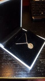 PLATINUM ST CHRISTOPHER AND CHAIN 6.1 GRAMS