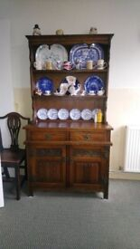Old Charm dresser, very good condition