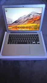"Apple Macbook Air 13"" Early 2015 - Silver"