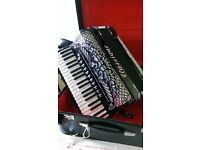 Piermaria Classique piano accordion. 41 Key 120 free Bass accordion + tone chamber, made in Italy