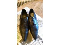 FABULOUS WINKLE PICKERS, SIZE 10, VERY GOOD CONDITION: BLACK LEATHER: MADE IN ENGLAND