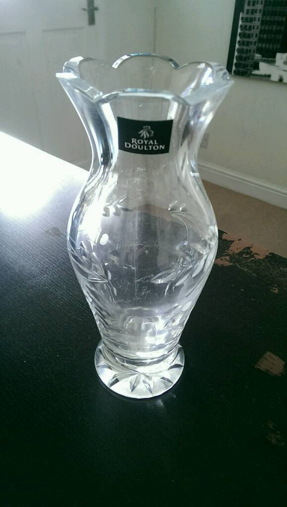 Royal Doulton Falling Stars Fine Lead Crystal Vase In Pentwyn