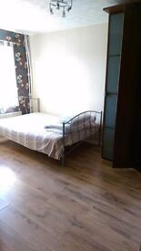 Room to let, close to city centre, 20 min walk. From now