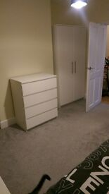 single room to rent in west moors,ferndown