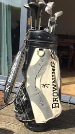 Golf bag with odd clubs