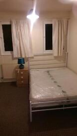 Clean double room available to rent at £300 pm all inclusive.