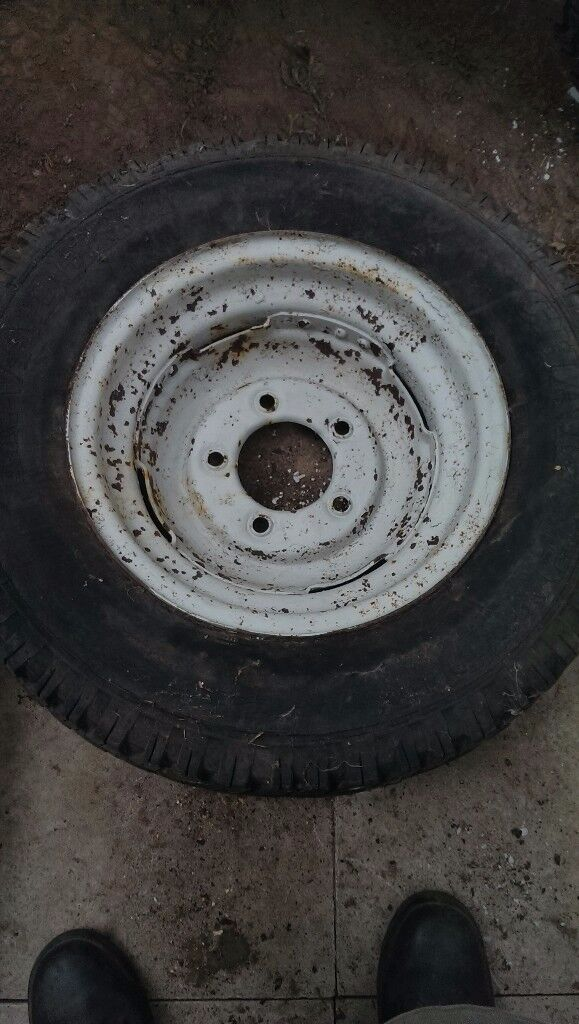 4 land rover series 3 steel wheels with tyres