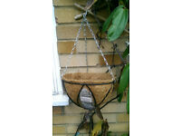 7 Brand New Hanging Baskets with matting, hanging chain and tags 24 cm diameter
