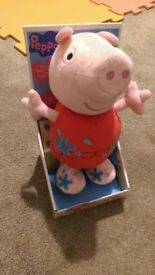 Pepper pig - Holiday Jumping Pepper - £8
