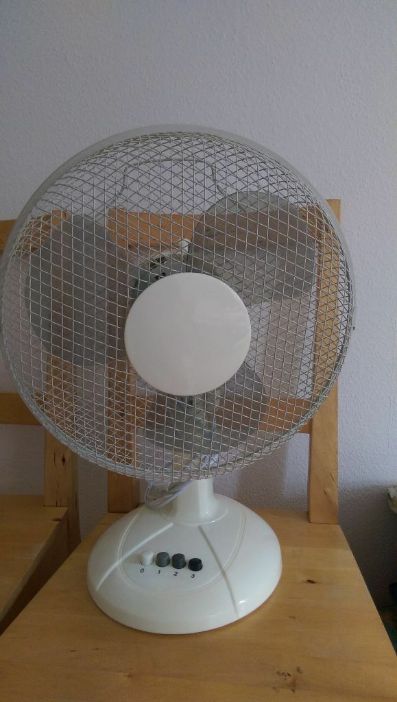 Argos Challenge Desk Fan 12 Inch