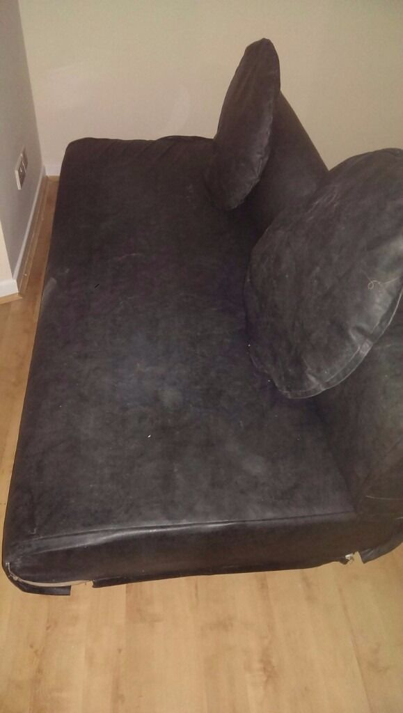 Quality Made Black Leather 3 Seater Sofa - Immaculate Condition (HEAVY ITEM)