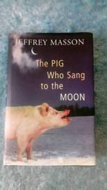 The pig who sang to the moon book