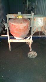 Belle Maxi 140 Cement / Concrete Mixer (HEAVY ITEM)