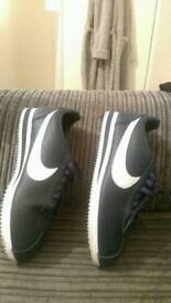 Navy and White Nike Cortez Sneakers/Trainers (UK size 8.5 EU size 43)