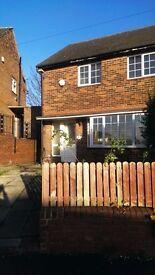 Furnished 1 Bedroom Bedsit Apartment for Rent @ Dewsbury Moor - £350 Pcm