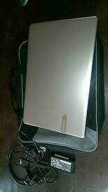 PACKARD BELL LAPTOP - NOT WORKING - FOR PARTS ONLY