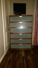 Free Chest of drawer