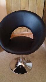 Swivel Chair for sale in Wolston