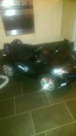 Kids 12 volt ride on car with charger no remote