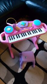 Girls pink piano