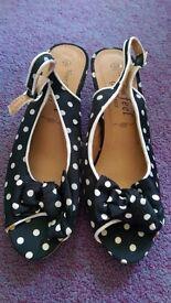 New Look ladies size 6 polka dot heels(never worn)