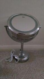 No.7 vanity mirror with light. Brand new and unused