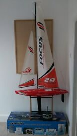 Model sailing yatch - Focus 1000mm. Very good conditin with box. Great fun to sail.