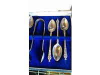 Tea spoons and sugar tongs, crocodile case, look new vintage collectable retro