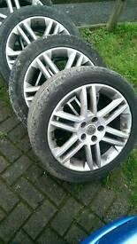 """Vectra 17"""" Sri alloy wheels"""