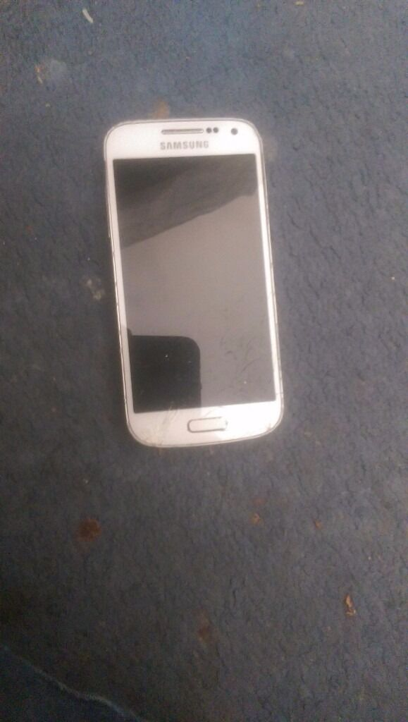Samsung galaxy s4 mini cracked touch screen fully works unlockedin Hackney, LondonGumtree - Samsung galaxy s4 mini cracked touch screen fully works unlocked to any network white phone with a charger