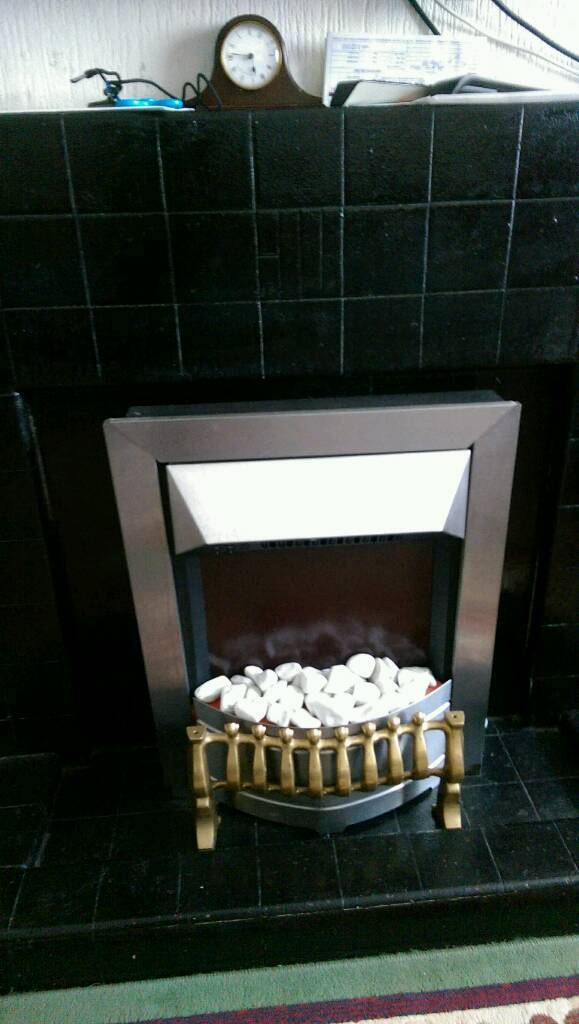 Electric heaterin Watford, HertfordshireGumtree - Having house clearance moving overseasI have more items for sale likeIndesit gas cooker less than 2 years oldSolid wood extendable dining table good for 6 peopleRocking chairWooden chairMirror