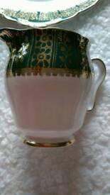 19 piece gorgeous china tea set