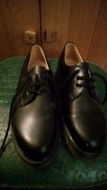 Women's sz3 Black Dr Martens Shoes unworn in box