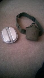old usa 1945 army pan and bottle