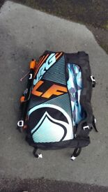 Liquid Force Kite surfing kite 8m including bar and lines