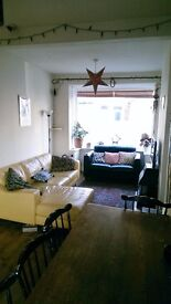 Double Room to Let in Shared House Near the Quay.