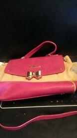 Lollipops of Paris Pink shoulder bag with bow buckle