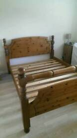 Kingsize Victoria Pine Bed