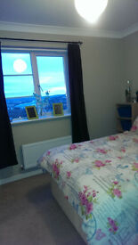 BIG BEAUTIFUL SPACIOUS CLEAN FRESH EN-SUITE AND DOUBLE ROOMS AVAILABLE NOW
