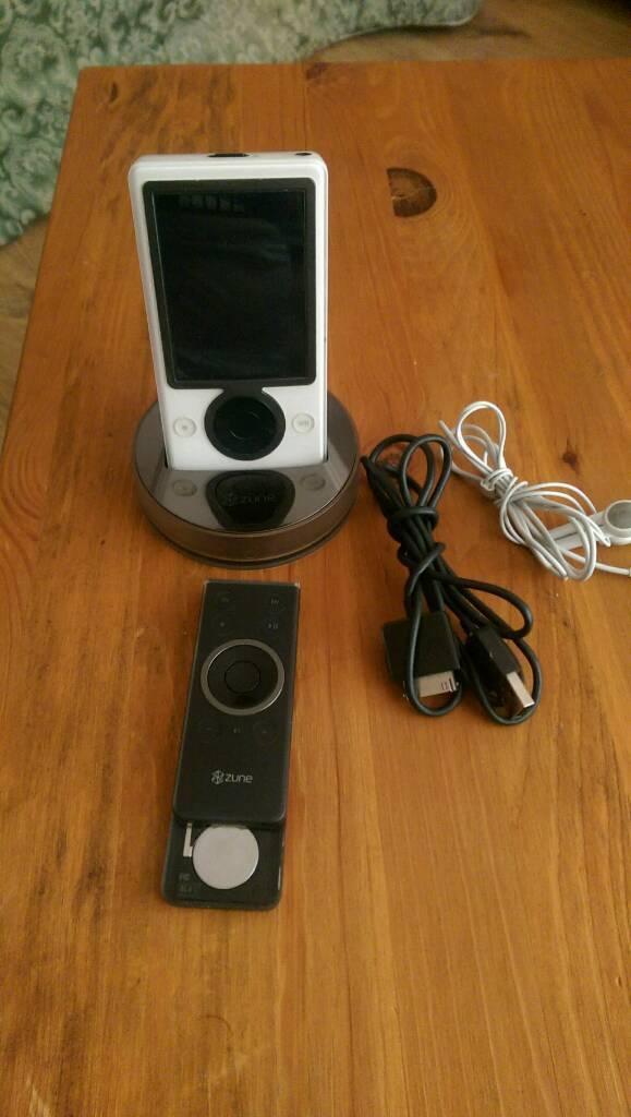 MP3 Microsoft Zune 30BG with remote