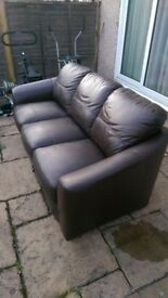 3 sester and 2 seater settee brown leather
