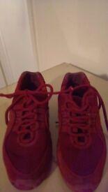 Red bloch jazz split sole shoes