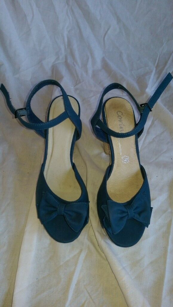Blue Heeled Sandals (size 6/39)